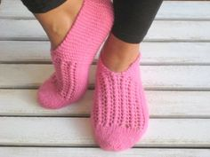 Handknitted Slippers Wool Slippers Pink Slippers by aykelila