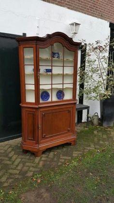 Eindejaarsactie! Vitrinekast, Mahoniehout; klein model.