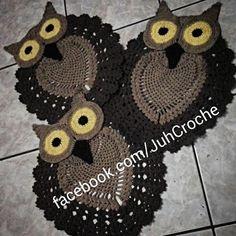 Jogo de Corujas para Banheiro #juhcroche #euquefiz #euamocrochê #semprecirculo #instacroche #imperialartesanato #Crochê #croche #crochetando #artesanato #amamoscroche #amamostapete
