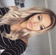 Best of Barbie – Best of Barbie – Related posts: 45 Balayage Hair Color Ideas 2019 – Blond, Braun, Karamell, Rot Honey blond lob 42 Trendige Haarfarbe Blond Honig Karamell Hellbraun The Chic Technique: Womens mid-length highlighted blond hairstyle. Beauté Blonde, Blonde Hair Looks, Blonde Balayage, Blonde Women, Hair Highlights, Hair Dos, Gorgeous Hair, Pretty Hairstyles, Easy Hairstyles