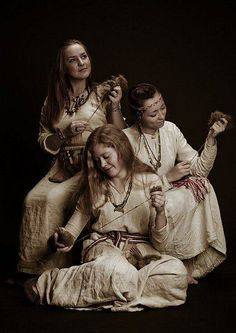Early period Slavic spinstresses