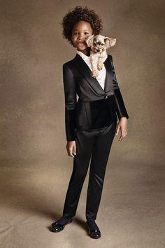 Если говорить о самых влиятельных деятелях fashion-индустрии, особого внимания, безусловно, заслуживает итальянский дизайнер Джорджио Армани (Giorgio Armani). Гениальный модельер и основатель модной империи Armani за свою карьеру добился феноменального успеха и признания во всем мире, из года в год создавая превосходные коллекции как для женщин, так и для мужчин. Сегодня Джорджио празднует свое 80-летие, и по такому случаю редакция BESTIN.UA напомнит вам его лучшие рекламные кампании, мудрые…