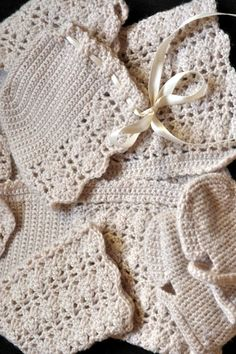 Aesthetic Nest: Crochet: Baby Announcement Layette