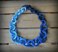 Awesome way of using polymer clay to create loops like chain!! polymerclayfimo: Изделия - Спиральные бусы