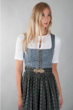 Moderne und exklusive Dirndl – Hier im Almliebe-Sh… Oktoberfest Outfit, Dirndl Dress, Costume Dress, Vintage Dresses, Vintage Outfits, Berlin Fashion, Flattering Dresses, Summer Outfits Women, Mode Inspiration