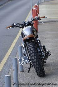 Scrambler Orcal Astor 125 by BF Motorcyles et Speck Motos. Mais pourquoi devrait-on rester sur sa faim lorsqu'on roule en 125 ? A...
