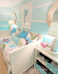 Beach bedroom .... Love the walls!