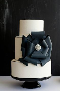 Beautiful Cake Pictures: Elegant Black Bow Wedding Cake: Black and White Cakes, Cakes with Ribbons, Elegant Cakes
