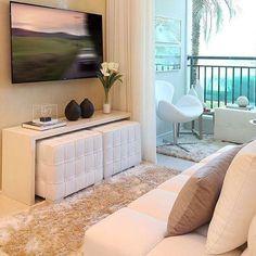Um caso de amor à primeira vista com essa sala de TV ❤️❤️❤️ - #sala #saladetv #design #decoração #arquitetura #acasaqueeuquero #novidades #instagram