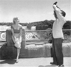 marilyn monroe (marilyn monroe,niagara,niagara falls,black and white)