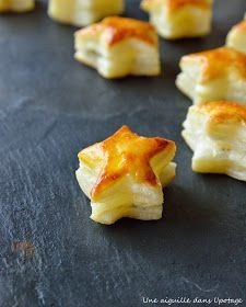Puff pastry stars with fresh goat cheese and basil - Christal Koppe Buffet, How To Cook Ham, Puff Pastry Recipes, Most Delicious Recipe, Spinach And Feta, Xmas Food, Cream Cheese Filling, Sweet And Salty, Creative Food