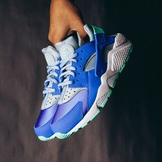 Nike WMNS Air Huarache Run (Racer Blue) $110