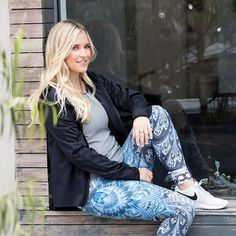 If you need to find balance in your life weve got the perfect person to share her secrets: @thebalancedblonde is on Carbon38 today! // #team38 #runinrunway #style #fashion #beautiful #fitness