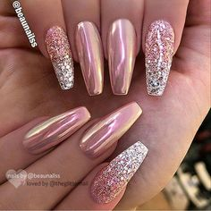 Nails christmas Rose gold pink chrome and glitter silver ombré nail ballerina shape gel nail ar. Rose gold pink chrome and glitter silver ombré nail ballerina shape gel nail art design Crome Nails, Chrome Nail Art, Chrome Rose Gold Nails, Gel Chrome Nails, Silver And Pink Nails, White Nails, Chrome Nail Colors, Gold Gel Nails, Pretty Gel Nails
