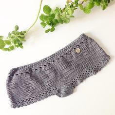 Oh, hello to the new design of low hipsters shorts✌️☀️⚡️ #crochet #bikini #hipsters #crochetshorts ##shorts #MyszonGrey #sexycrochet #beachwear by #RobotyReczne #RobotyRęczne #loveisallweknit