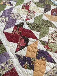 I've been working on a couple of springy table runners this past week. I shared Tootsie Pops with you, which is super cute, but I wanted another runner that showed off more of that beautiful Lilac Hil Star Quilts, Scrappy Quilts, Easy Quilts, Mini Quilts, Quilt Blocks, Colchas Quilting, Quilting Projects, Quilting Designs, Scrap Quilt Patterns