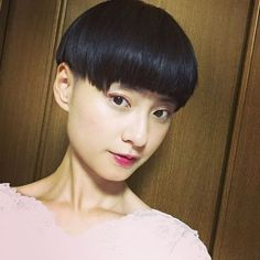 Asian Short Hair, Bowl Cut, Short Hair Styles, Stuffed Mushrooms, Hair Cuts, Bowls, Instagram, Shorts, Bob Styles