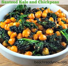 Sauteed Kale and Spicy Chickpeas - Delicious #CleanEating dish #Vegetarian #Vegan