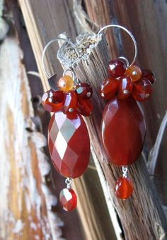 Carnelian. The energy of carnelian resembles a peaceful, warm afternoon filled with genuine happiness. Its joyful energy has a nourishing and protective quality to it. Carnelian has courage, confidence and creativity at its core; all these qualities being combined in a calm and grounded kind of way.