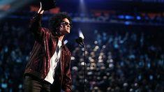 """Bruno Mars dio una sorpresa al arrasar el domingo en los premios Grammy. Ganó en todas las categorías en las que fue nominado y se alzó con seis gramófonos en la ceremonia celebrada en el Madison Square Garden de Nueva York, incluidos los principales de mejor álbum por """"24K Magic"""", mejor canción por """"That's What I Like"""" y mejor grabación por """"24K Magic"""". """"Despacito"""" estaba nominada en tres categorías en su remix con Daddy Yankee y Justin Bieber, pero no ganó en ninguna. Shakira ganó el…"""