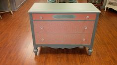 Customer Project: Upscaled old furniture with the Lovely Lace Stencil
