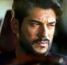 Burak Özçivit, Turkish actor, b. 1984
