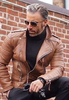 Men's Leather Jacket, Leather Men, Jacket Men, Leather Jackets, Brown Leather, Stylish Men, Men Casual, Look Man, Dapper Men