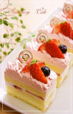 Matcha Chocolate Adzuki Mont Blanc Shortcake Recipe by cookpad. Shortcake Recipe, Chocolate Orange, Strawberry Recipes, Strawberries And Cream, Savoury Cake, Clean Eating Snacks, Cookies Et Biscuits, Cake Recipes, Raspberry