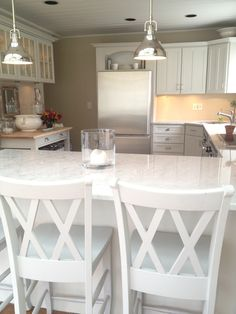 benjamin moore collingwood with white cabinets - ... possible color combo for craft room