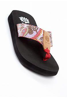 gotta have comfy flip flops.....  LOVE YELLOWBOX!!!