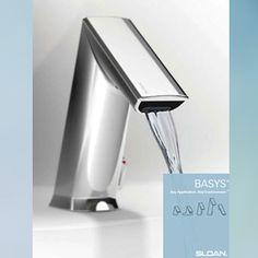 El sistema infrarrojo de la grifería SLOAN la hace ideal para instituciones de salud y baños con alto tráfico, optimizando uso del agua y condiciones de limpieza.