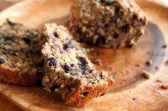 Banana blueberry bread / Bananen bosbessen brood http://www.degroenemeisjes.nl/recept-bananenbrood-met-blauwe-bessen