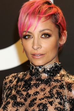 Nicole Richie Works Pink Pixie Hair At The Tom Ford Show, 2015