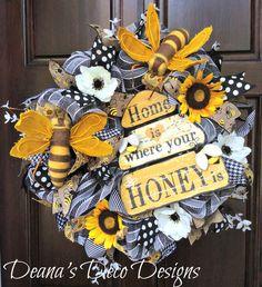 Spring Deco Mesh Wreath, Bee Spring Wreath, Black and White Wreath, Sunflower Wreath, Spring Wreath, Bee Wreath, Spring deco mesh wreath by DeanasDecoDesigns on Etsy