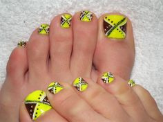 Can you see my feet? :) - Nail Art Gallery by NAILS Magazine