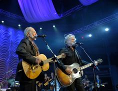 Willie Nelson and Kris Kristofferson perform during the 2013 Berklee College Of Music Commencement Concert at Berklee College of Music on May 10, 2013 in Boston, Massachusetts. (Photo by Paul Marotta/Getty Images)