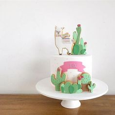 llama cake inspiration llama cake for Pia! Cactus Cake, Llama Birthday, Fiesta Party, Cute Cakes, Cupcake Cookies, Celebration Cakes, Party Cakes, Beautiful Cakes, Eat Cake
