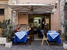 Rome may be overflowing with restaurants, but many are mediocre, overpriced, and cater to tourists. So where should you really eat when in Rome? Here are five trusted Roman ristorantes that the tourist books don't tell you about.