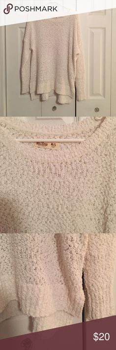 SOLD Worn once, super cute and soft! Color is off white Hollister Sweaters Crew & Scoop Necks