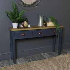 Dark blue painted furniture gray New Ideas Decor, Furniture, Blue Console Table, Gray Painted Furniture, Vintage Bedroom Furniture, Retro Bedroom Furniture, Comfortable Patio Furniture, Grey Wood Furniture, French Style Furniture
