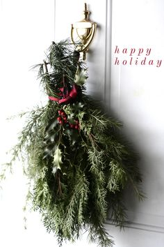 happy holiday weekend! Simple Christmas, All Things Christmas, Christmas Wreaths, Christmas Tree, Christmas Ideas, Holiday Time, Holiday Parties, Happy Hollidays, Brighten Your Day