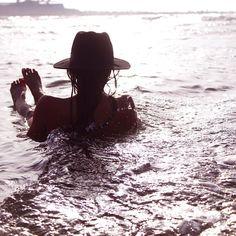 sea song  ~~ X ღɱɧღ ||