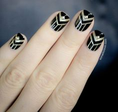 Complete your NYE Gatsby-inspired look with this black + gold art deco nail art.