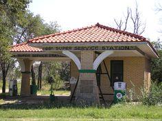 Bradley Kiser 1930 66 Super Service Station, Alanreed TX.