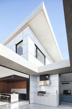 Concord House by Studio Benicio | HomeAdore