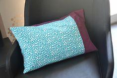 Housse de coussin 60x40 turquoise à pois blanc et violet : Textiles et tapis par june-boutik