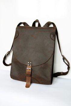 Lederrucksack in Braun // Leather backback in brown by detailFabric via DaWanda.com