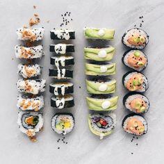Homemade Vegan Sushi - f o o d - Vegan Food Vegan Foods, Vegan Dishes, Vegan Vegetarian, Vegetarian Recipes, Cooking Recipes, Raw Vegan, Korean Recipes, Healthy Recipes, Vegan Sushi Rolls