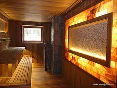 Сауна в загородном доме.Для отделки был выбран красный канадский кедр и термоабаш.Дополняют интерьер панно из срезов можжевельника и гималайская соль.