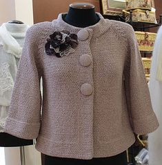 New Sewing Clothes Women Tunics Stitches Ideas Sewing - Diy Crafts Knit Cardigan Pattern, Crochet Jacket, Knit Jacket, Sewing Clothes Women, Clothes For Women, Handgestrickte Pullover, Hand Knitted Sweaters, Knit Fashion, Knitting Designs